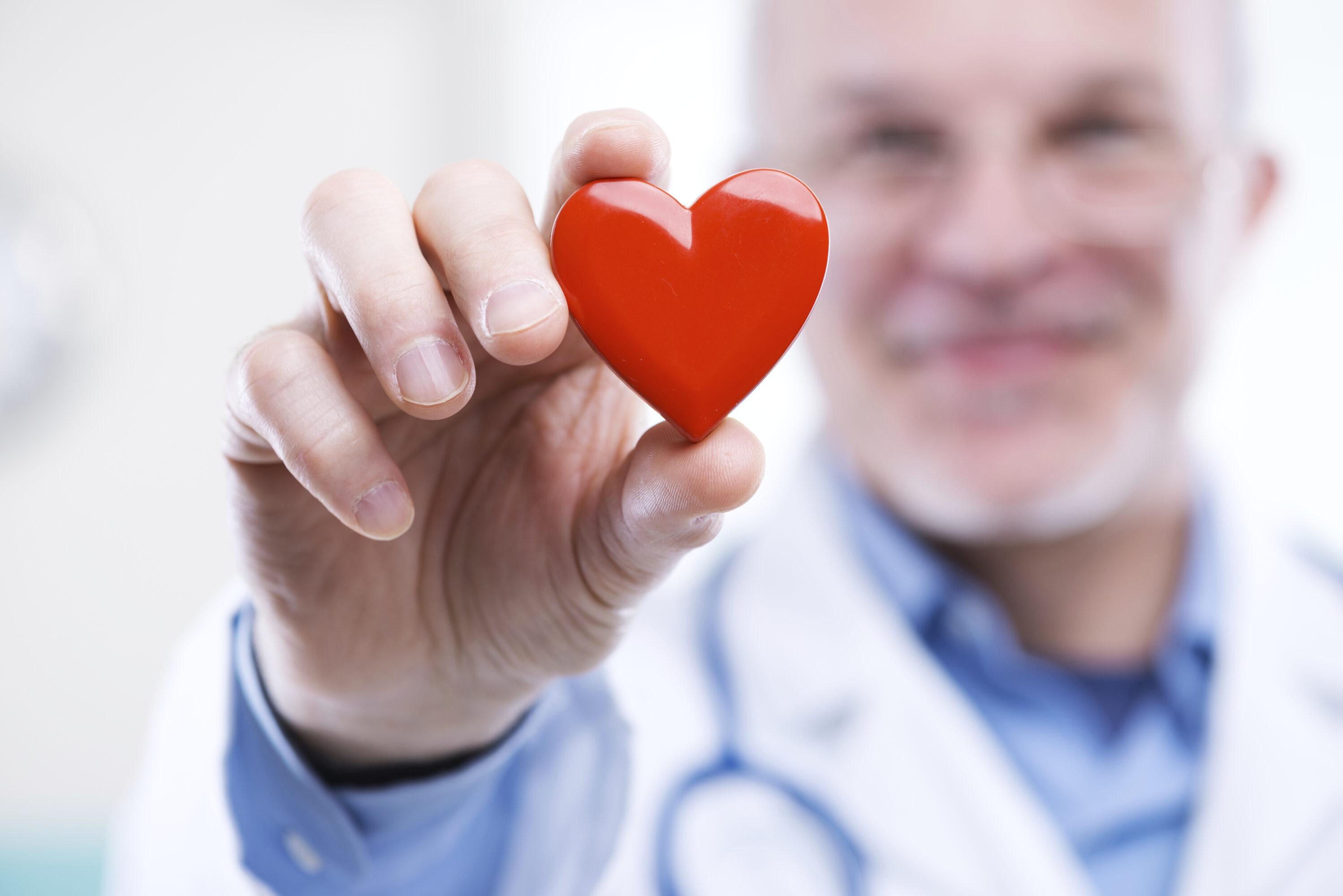 Hoe op een natuurlijke manier een hoge bloeddruk verlagen?
